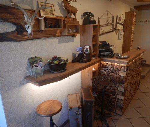 Empfangstheke Gasthaus zum Hirschen in Sulzfeld, Rhön